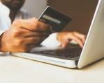 Paysafe: in Italia il 43% delle persone non utilizza più contanti