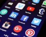 Ricerca: gli italiani passano quasi 2 ore ogni giorno sui social network