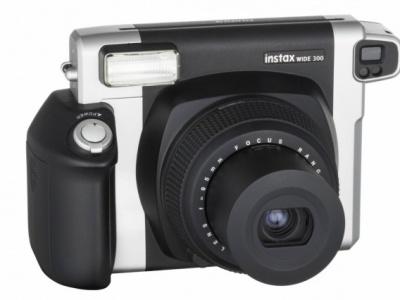 Fujifilm instax WIDE 300, istantanea pro che restituisce il sapore della fotografia