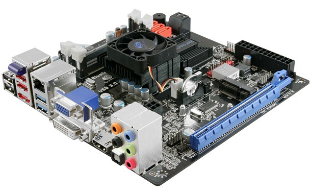 sapphire-nuove-motherboard-con-apu-amd-1.jpg