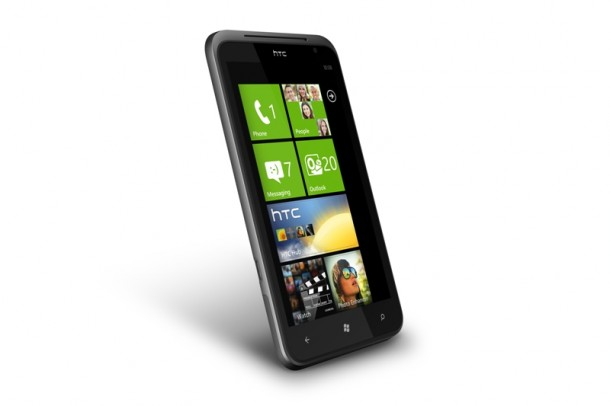 htc-titan-e-radar-arriva-windows-phone-mango-2.jpg