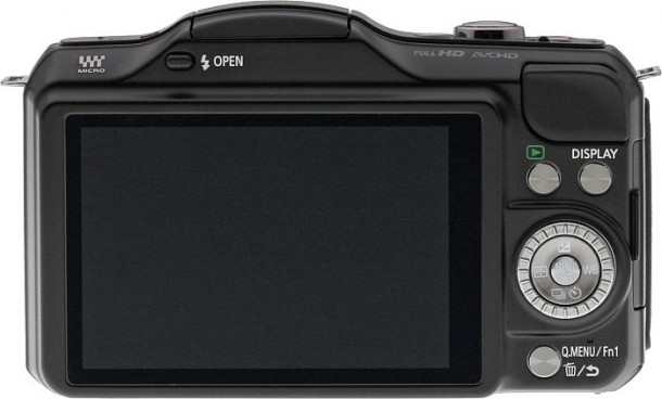 panasonic-lumix-gf5-lenti-intercambiabili-in-un-co-4.jpg