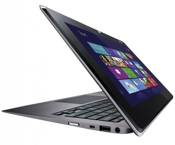 asus-presenta-un-notebook-a-due-schermi-per-window-1.jpg